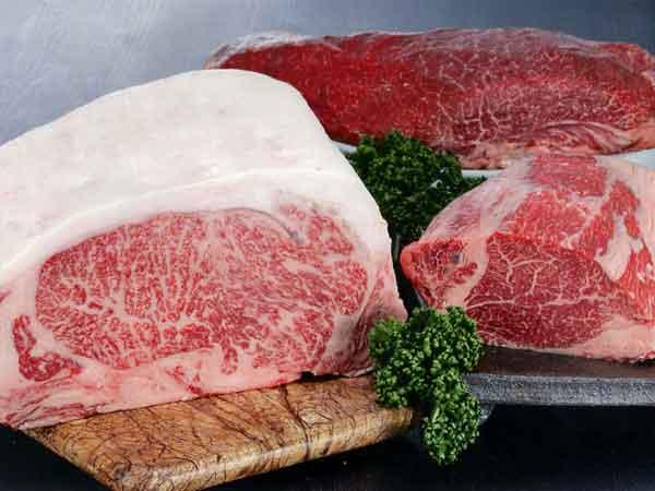 壱州牛のロース、ヒレ、もも肉の写真